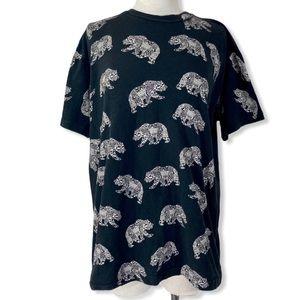 Chemistry black bear graphic T-shirt, Unisex large